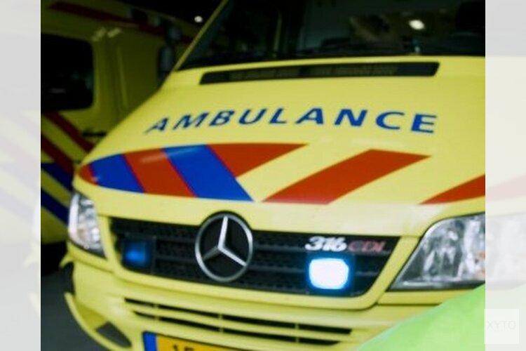 Vier kinderen naar ziekenhuis na ongeluk met twee auto's in Hem