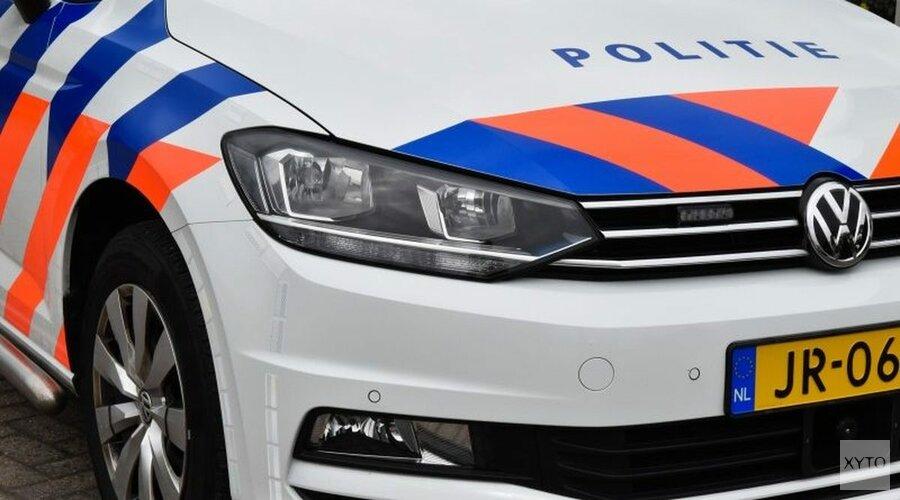 Auto in water bij Markermeer: bestuurder gevlucht