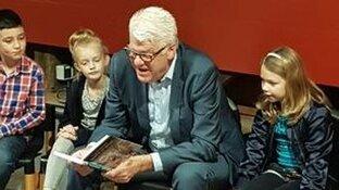 Enkhuizen leest samen tijdens kinderboekenweek