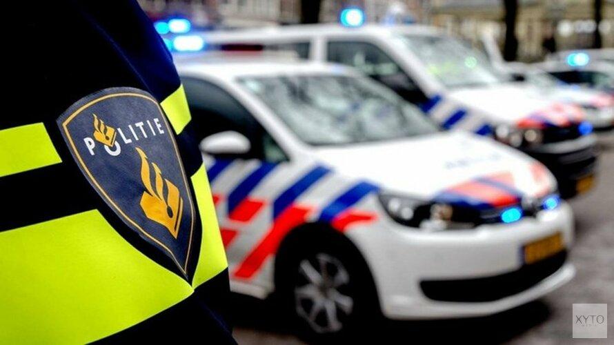 Auto op z'n kop in Bovenkarspel: bestuurder gevlucht