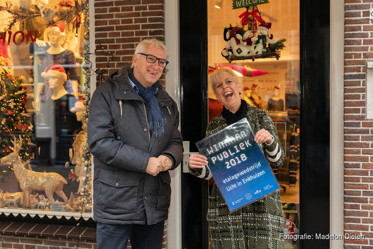 Tierlantijn Wonen en Jellie's Fashion winnaars wedstrijd Licht in Enkhuizen