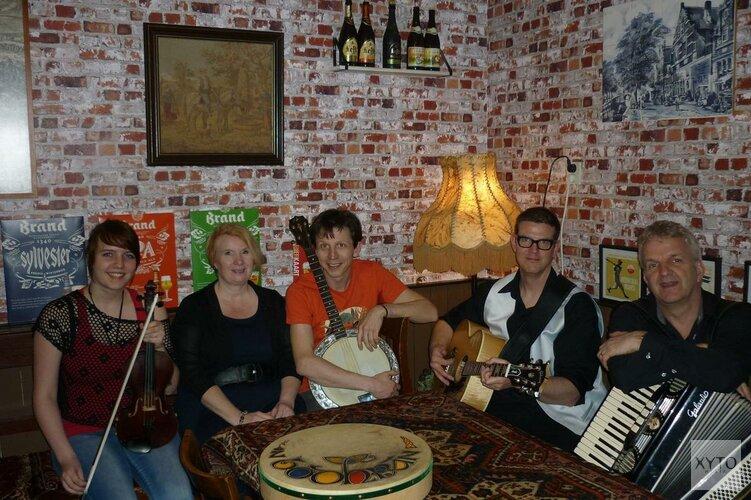 Optreden van de Irish folk band JOHN FARMERS WHISTLES op zondag 6 jan. in Oosterleek