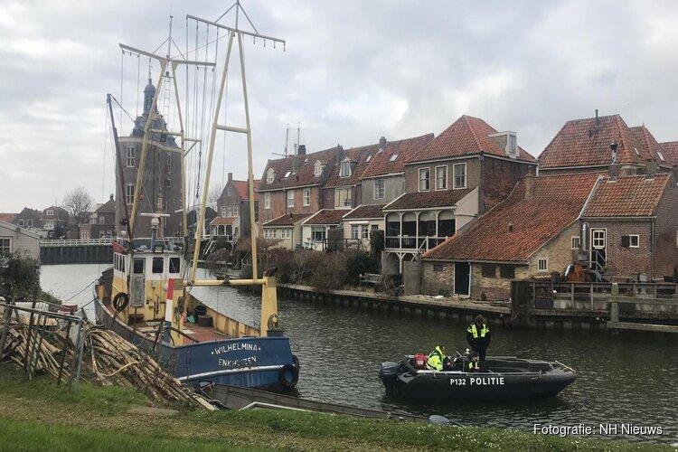 Politie zoekt met sonar en honden in water naar vermiste Siebe (26)