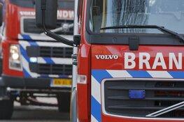 Camper brandt uit in centrum Enkhuizen