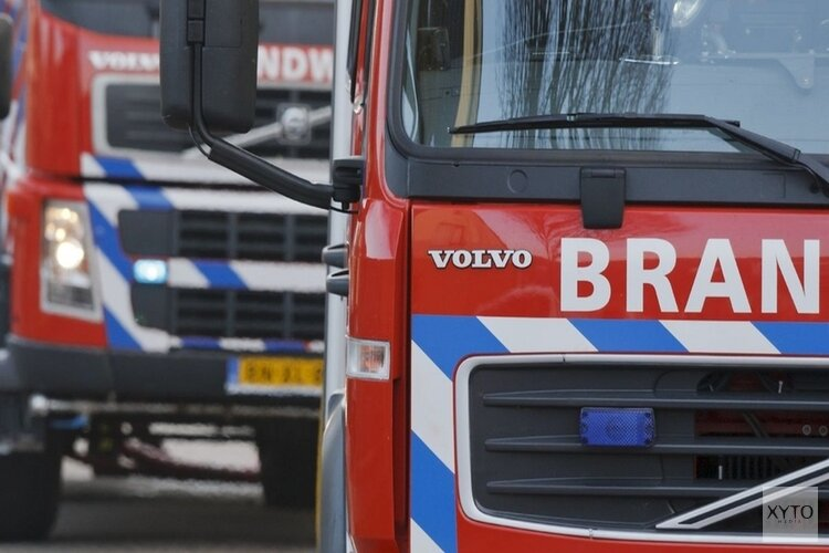 Auto's in vlammen op bij dealer in Enkhuizen
