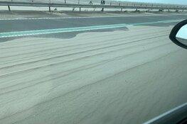 Markerwaarddijk tussen Enkhuizen en Lelystad tot vanmiddag dicht vanwege zand