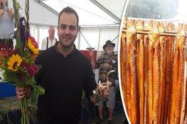 """Enkhuizer Jelle (26) is de beste palingroker van Nederland: """"Erkenning voor mijn werk"""""""